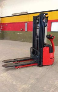 FORKLIFT WITH MAN STANDING BRAND