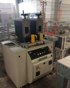 Automatic line for the assembly thermal break profiles